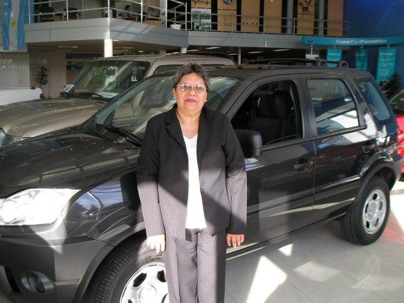 La Sra. Delia Cuello de La ciudad de Valcheta- Rio Negro. Retirando su Ecosport xls