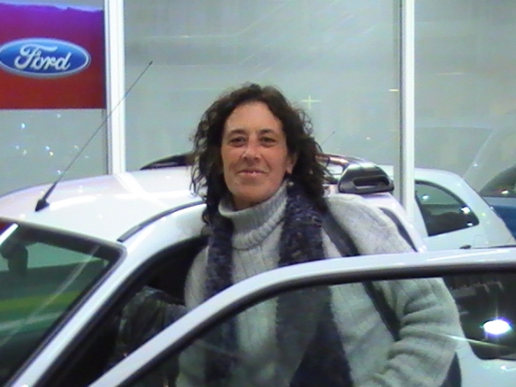 Paula De Font retirando su Ford Courrier 0Km-Felicitaciones!