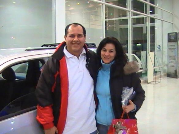 Omar Marquez y Sra. retirando su Ecosport 2.0 0Km Felicitaciones!