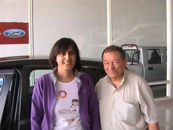 Marisa Diaz y su padre retirando su Ford fiesta 0Km- Felicidades!!!